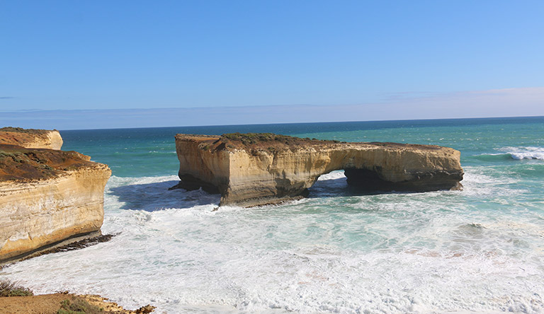 island-archway-great-ocean-road-melbourne-australia.jpg