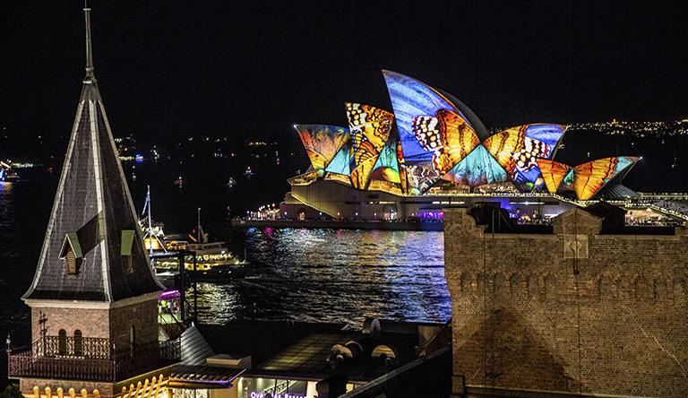 vivid-light-festival-opera-house-sydney-australia