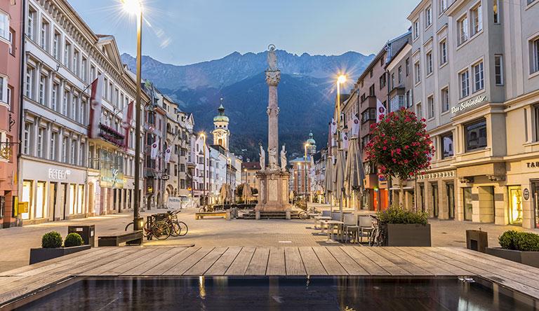 saint-inne-iolumn-in-innsbruck-austria.jpg