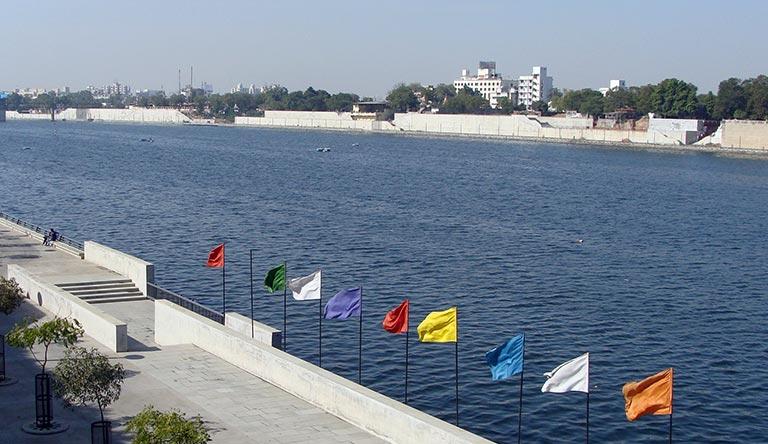 sabarmati-riverfront-ahmedabad-gujarat-india.jpg