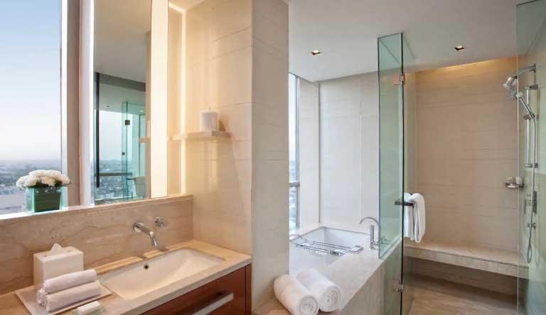 Hyatt-Regency-Amritsar-Amritsar-Suite-Bathroom.jpg