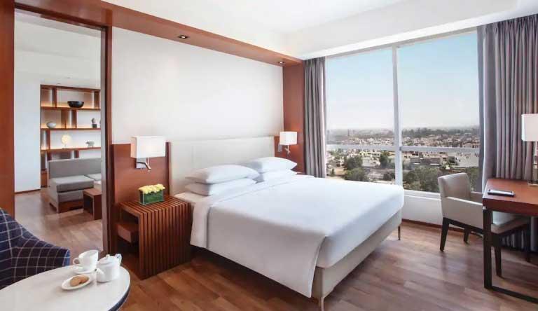 Hyatt-Regency-Amritsar-Regency-Executive-Suite-with-1-King-Bed.jpg
