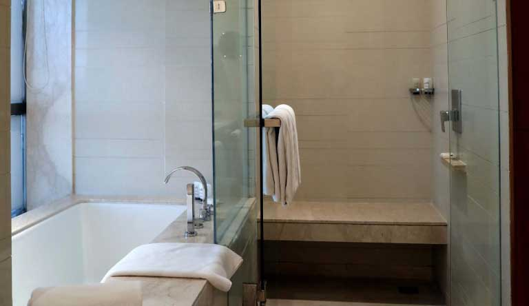 Hyatt-Regency-Amritsar-Regency-Suite-with-1-King-Bed-Bathroom.jpg