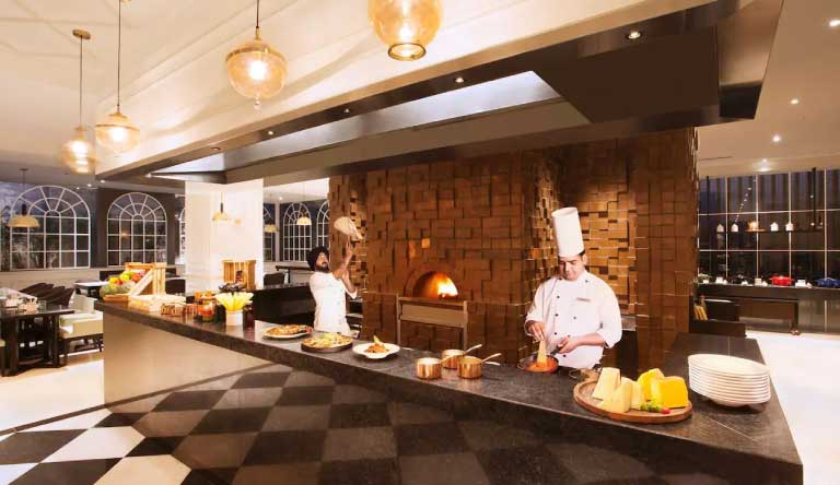 Hyatt-Regency-Amritsar-Restaurant.jpg