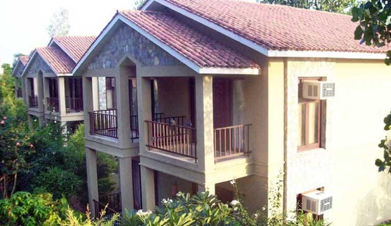 Corbett-Tiger-Den-Resort-Exterior1.jpg