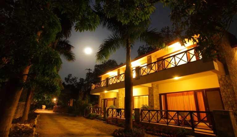 Infinity-Resorts-Corbett-Garden-Facing-Room.jpg