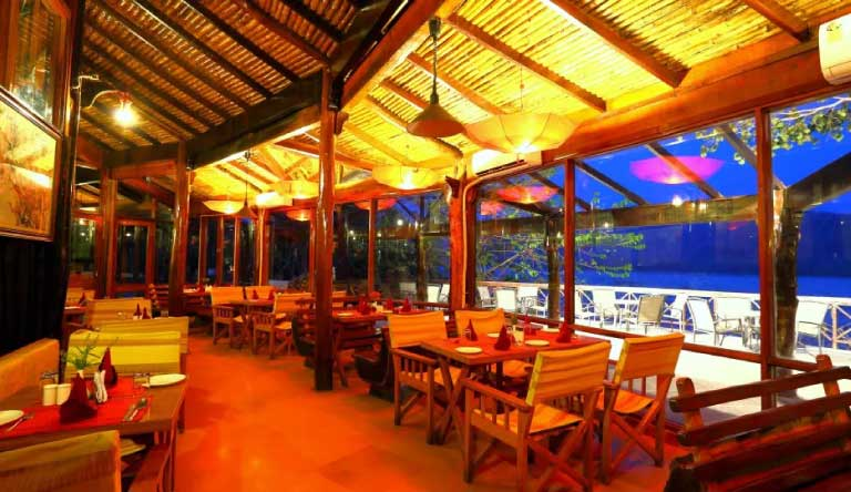 Infinity-Resorts-Corbett-Restaurant2.jpg
