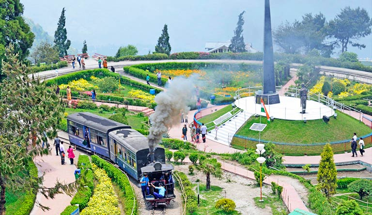 darjeeling-toy-train-india.jpg