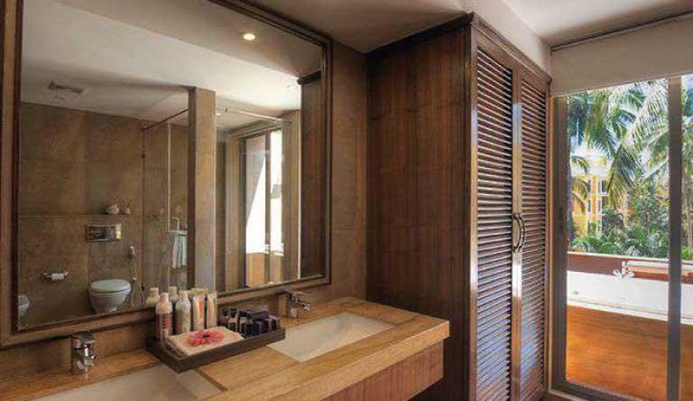 Adamo-The-Bellus-Bellus-Suite-Restroom1.jpg