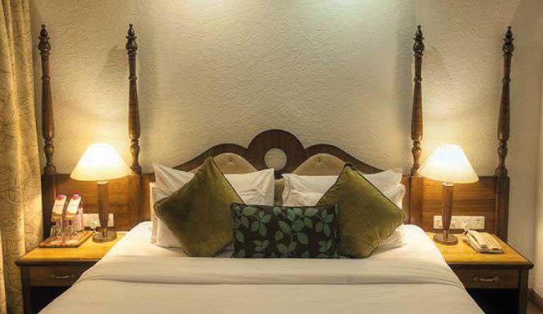 Adamo-The-Bellus-Beluus-Suite-bedroom1.jpg