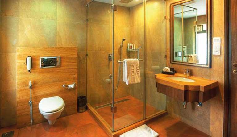 Adamo-The-Bellus-Regency-Room-Washroom.jpg