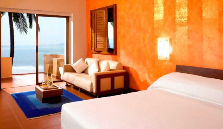 Cidade-De-Goa-Deluxe-Room-with-sit-out-Sea-View.jpg