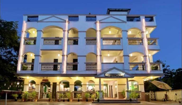 La-Gulls-Court-Resort-Exterior