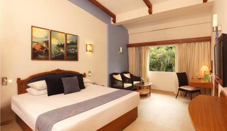 Lemon-Tree-Amarante-Beach-Resort-Goa-EXECUTIVE-ROOM.jpg