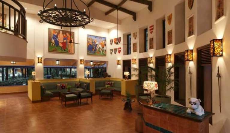 Lemon-Tree-Amarante-Beach-Resort-Goa-Lobby.jpg