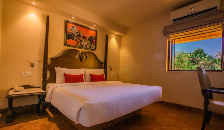 Lemon-Tree-Amarante-Beach-Resort-Goa-Terrace-Studio-Bed-Room.jpg