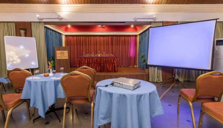 Palmarinha-Resort-and-Suites-Confrence-Room3.jpg