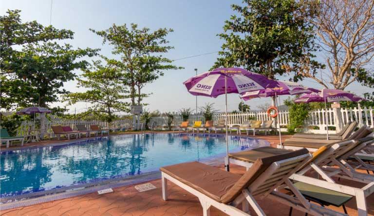 Palmarinha-Resort-and-Suites-Exterior2.jpg