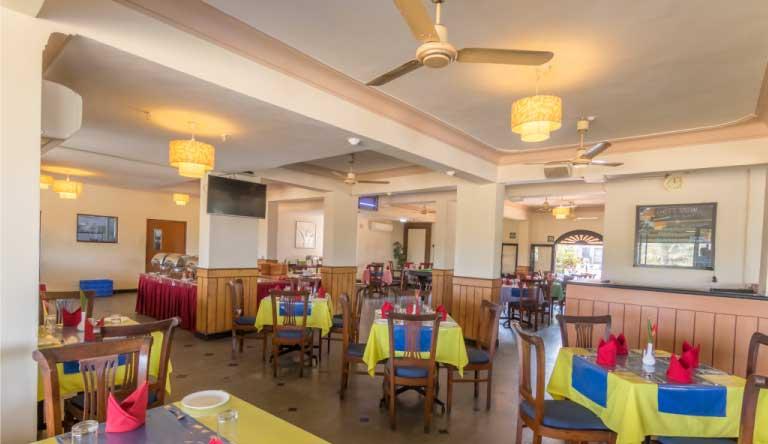 Palmarinha-Resort-and-Suites-Restaurant2.jpg