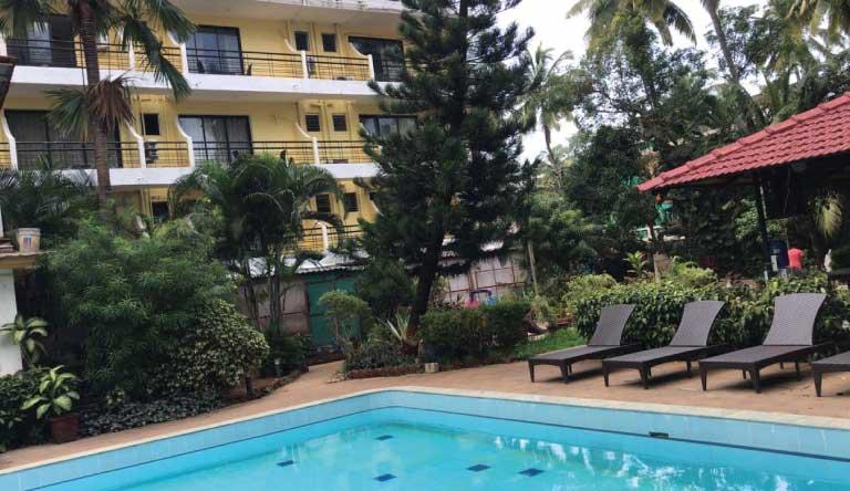 Peninsula-Beach-Resort-Pool.jpg
