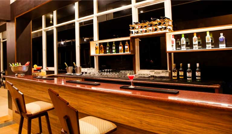 Quality-Inn-Ocean-Palms-Goa-Resort-Bar.jpg