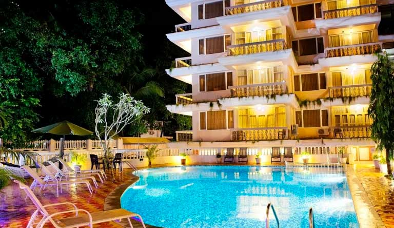 Quality-Inn-Ocean-Palms-Goa-Resort-Exterior-NightView