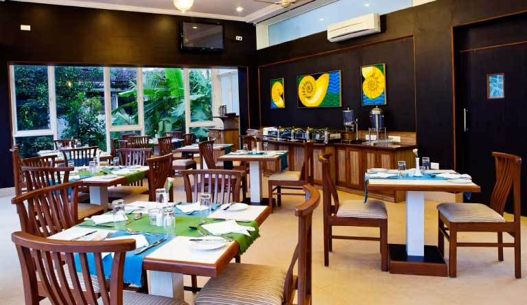 Quality-Inn-Ocean-Palms-Goa-Resort-Restaurant-Nautilus.jpg