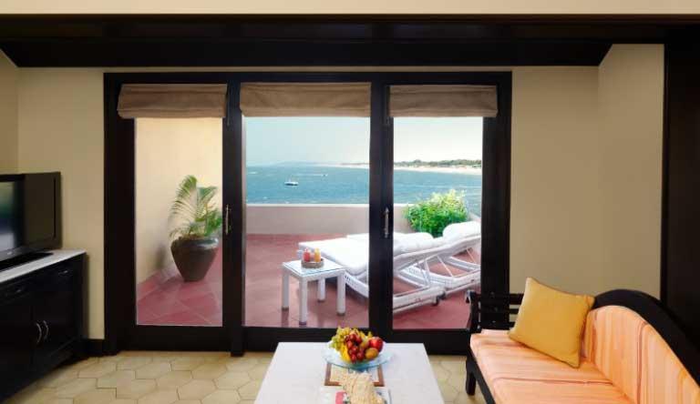 Taj-Fort-Aguada-Premium-Suite-Sea-View-Living-Space.jpg