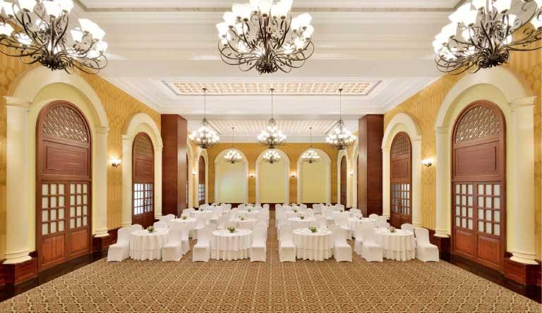 The-Radisson-Blu-Resort-Goa-Meeting-Room.jpg