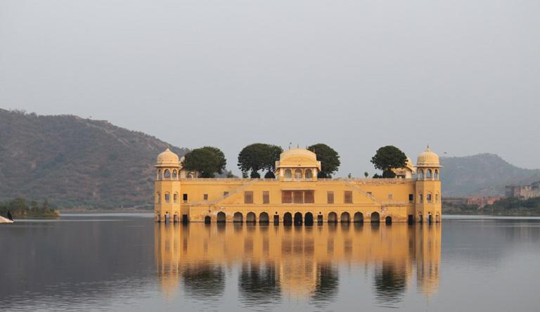 jal-mahal-jaipur-india