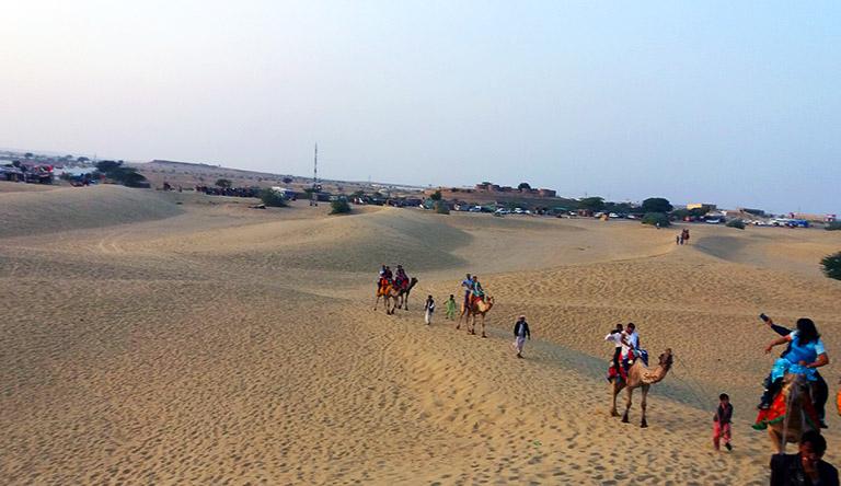 sam-sand-dunes-jaisalmer-rajasthan-india