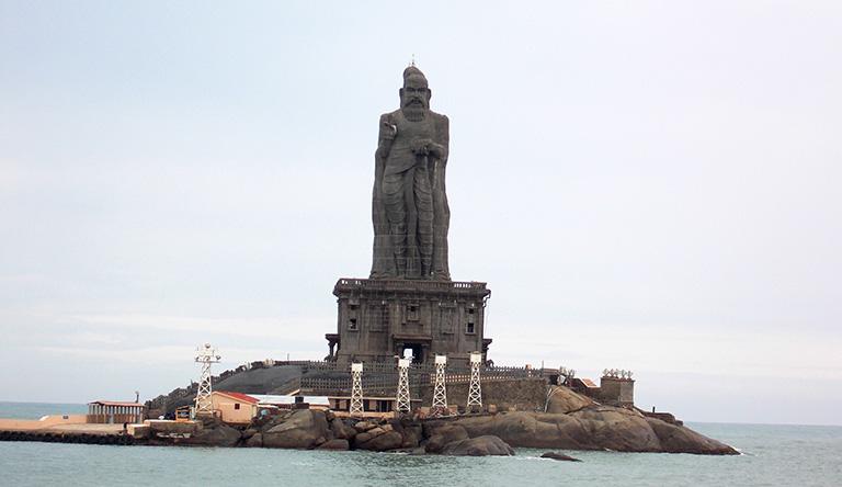 thiruvalluvar-statue-rock-sculpture-kanyakumari-tamil-nadu-india