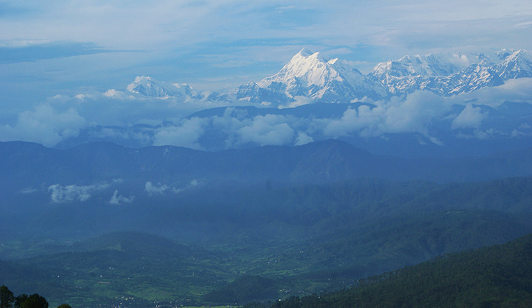 mountain-hills-kausani-hill-station-uttrakhand-india