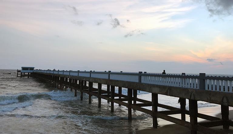 valiyathura-pier-port-kovalam-kerala-india.jpg