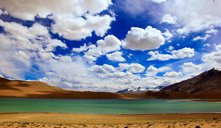 tso-chu-lake-leh-ladhak-blue-green-water-india