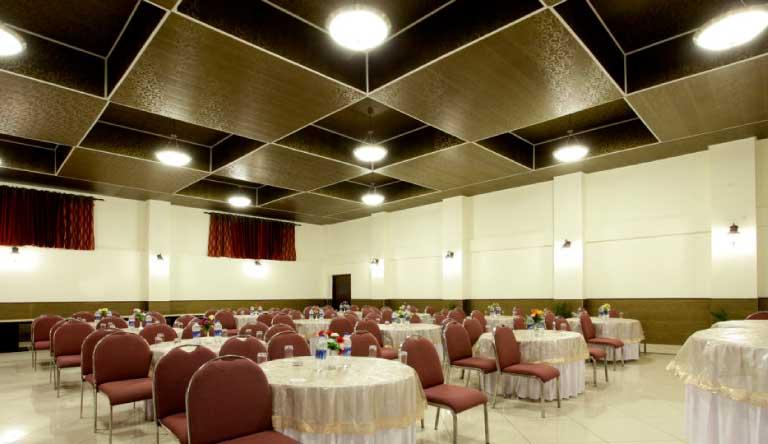De-Vivendi-Resorts-Manali-Banquets1.jpg