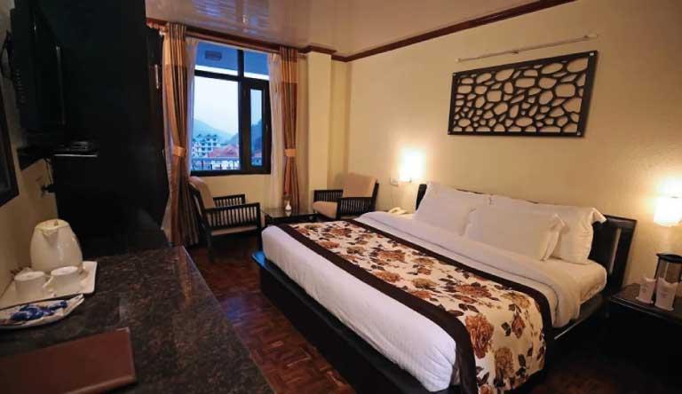 De-Vivendi-Resorts-Manali-Deluxe-Room1.jpg