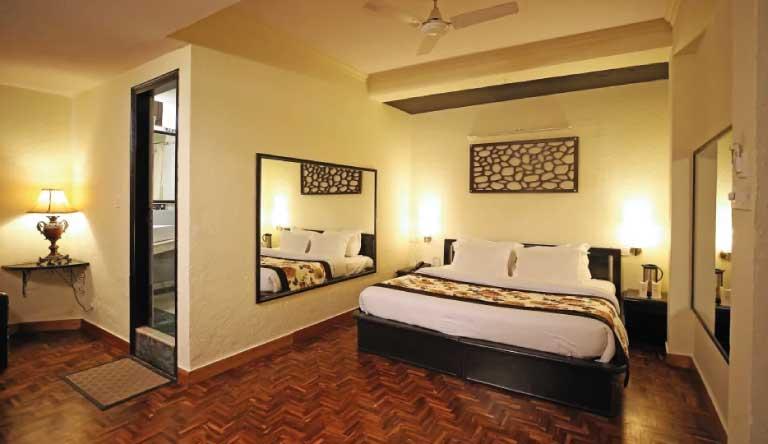 De-Vivendi-Resorts-Manali-Premium-Room.jpg