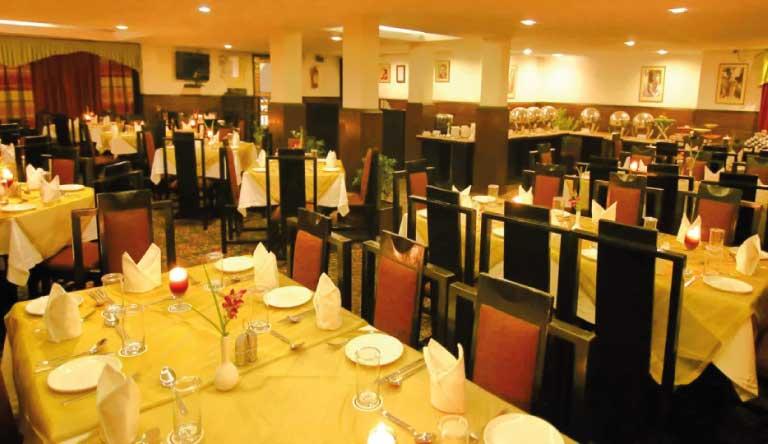 De-Vivendi-Resorts-Manali-Restaurant.jpg