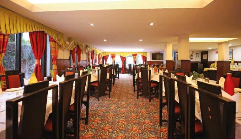 De-Vivendi-Resorts-Manali-Restaurant2.jpg