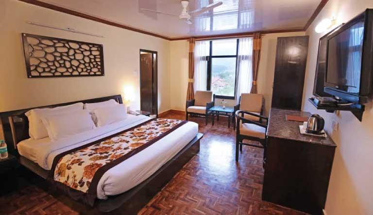De-Vivendi-Resorts-Manali-Superior-Room2.jpg
