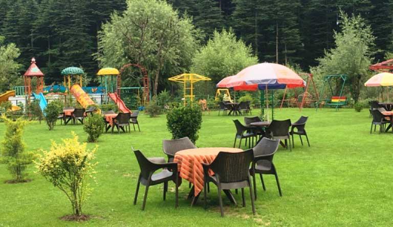 Snow-Valley-Resort-Exterior-Garden.jpg