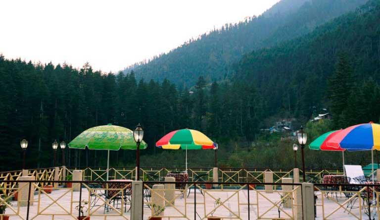 Snow-Valley-Resort-Exterior2.jpg