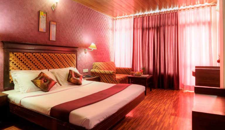 Snow-Valley-Resort-Luxury-Room1.jpg