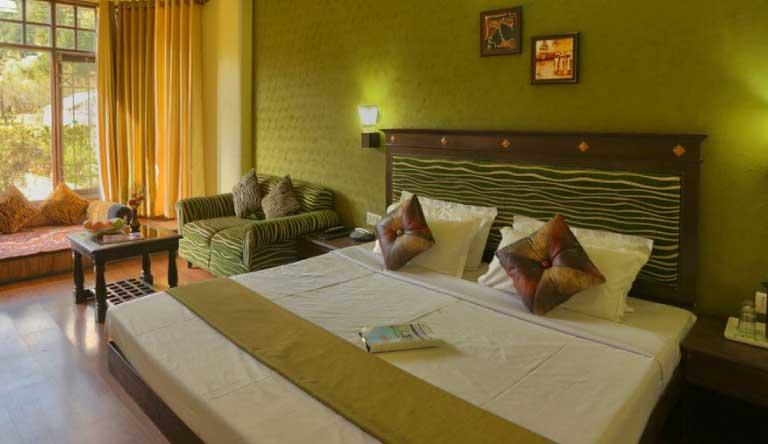 Snow-Valley-Resort-Maharaja-Room4.jpg