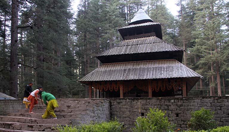 manali-hidimba-devi-temple-kinder-himachal-india.jpg