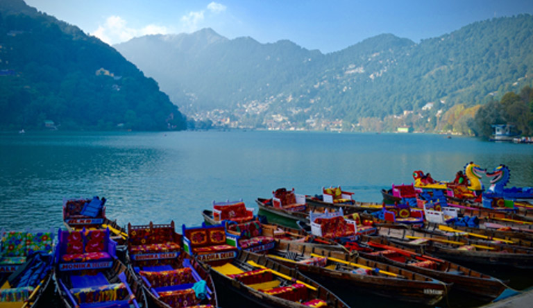 boating-boats-colorful-nainital-uttarakhand-india