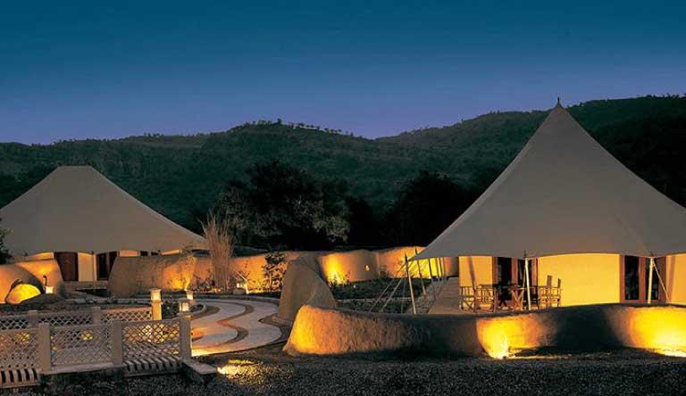 The-Oberoi-Vanyavilas-Luxury-Tent3