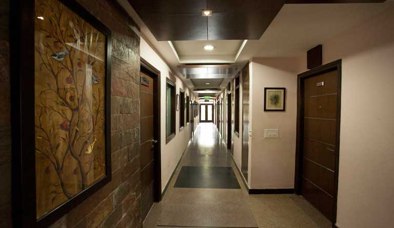 Flag-House-Resort-Corridor.jpg