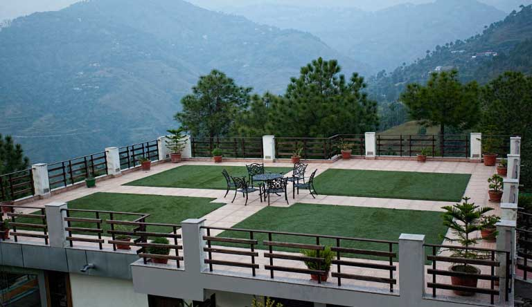 Flag-House-Resort-Terrace-Lawn.jpg